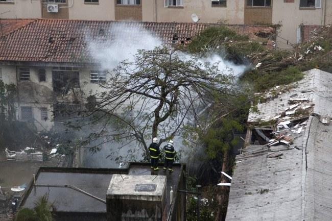 Zdjęcie z miejsca katastrofy /PAP/EPA/Douglas Aby Saber /PAP/EPA