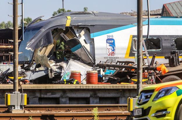 Zdjęcie z miejsca wypadku w Czechach /PAP/EPA