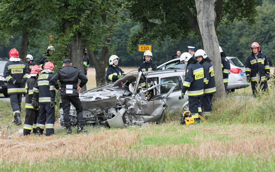 Zdjęcie z miejsca wypadku /PAP/Lech Muszyński /PAP
