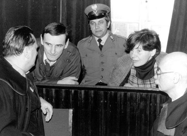 Zdjęcie z procesu Zofii i Zbigniewa Romaszewskich 17.02.1983 r._fot. Wojciech Laski /East News