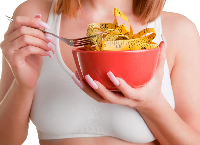 Zdrowe jedzenie nie zawsze jest dietetyczne /123RF/PICSEL