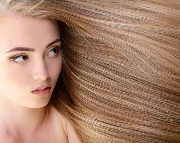 Zdrowe włosy. /123/RF PICSEL
