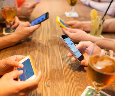 Ze smartfonem rodzina cieszy mniej