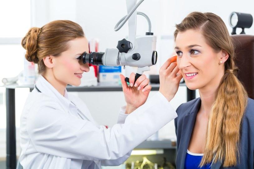 Żeby potwierdzić lub wykluczyć otosklerozę, trzeba wykonać badania. /©123RF/PICSEL