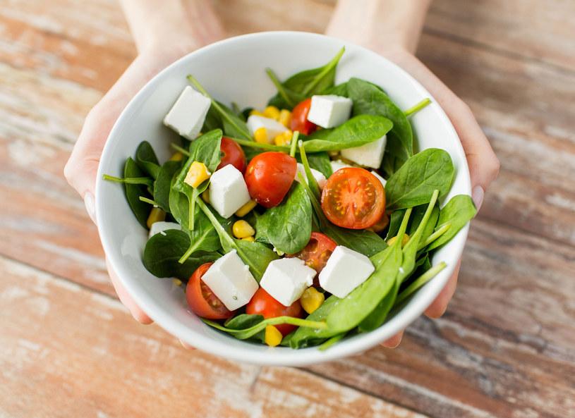 Żeby schudnąć, trzeba jeść! /123RF/PICSEL
