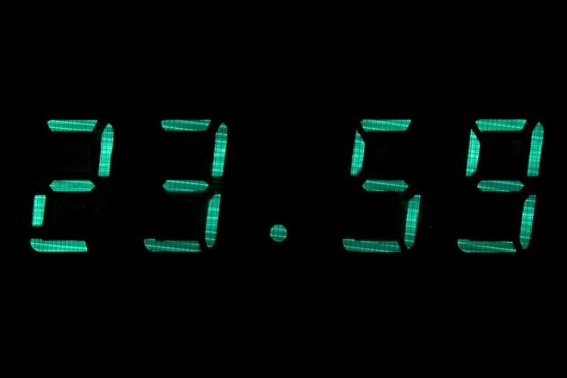 Zegar elektroniczny w naszym domu może pokazywać błędy czas /123RF/PICSEL