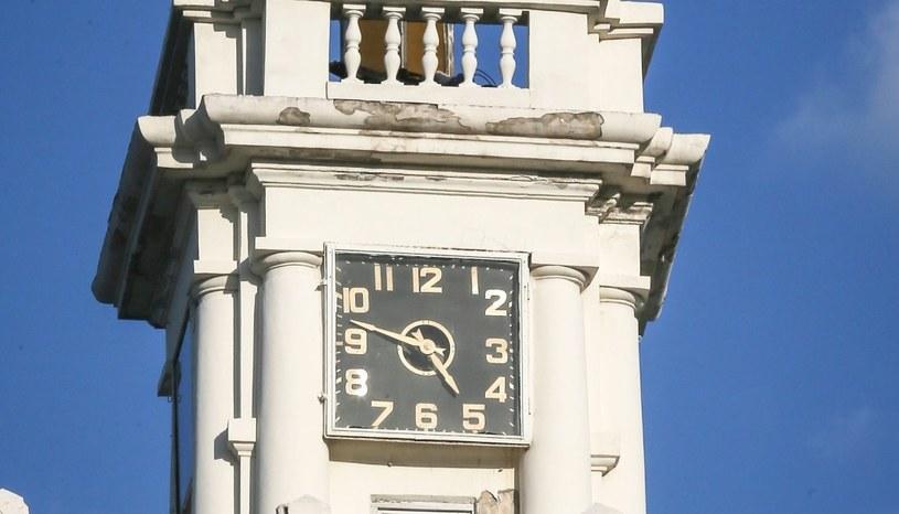 Zegar na wieży w Sewastopolu /PAP/EPA