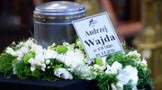 """""""Żegnamy Mistrza"""". Andrzej Wajda spoczął na Cmentarzu Salwatorskim"""