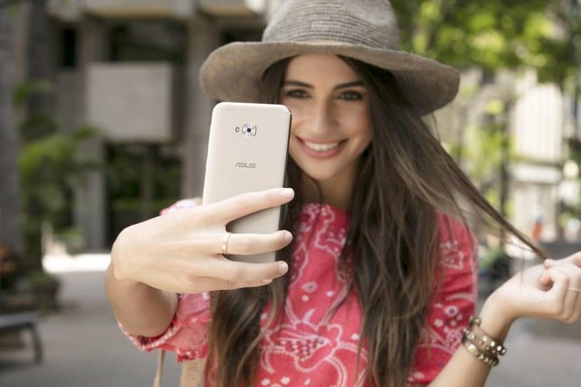 ZenFone 4 Selfie Pro /materiały prasowe