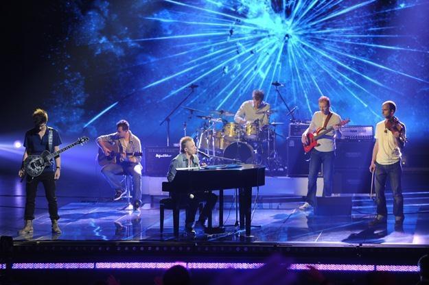 "Zespół Lemon w finale ""Must Be The Music"" - fot. Jarosław Antoniak /MWMedia"