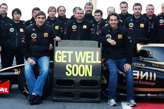 Zespół Lotus Renault GP czeka na Roberta Kubicę /Agencja SE/East News