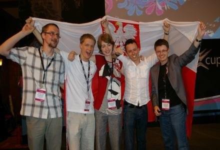 Zespół wraz z mentorem - kilka sekund po tym, jak dowiedzieliśmy się że Polska jest w finale /INTERIA.PL