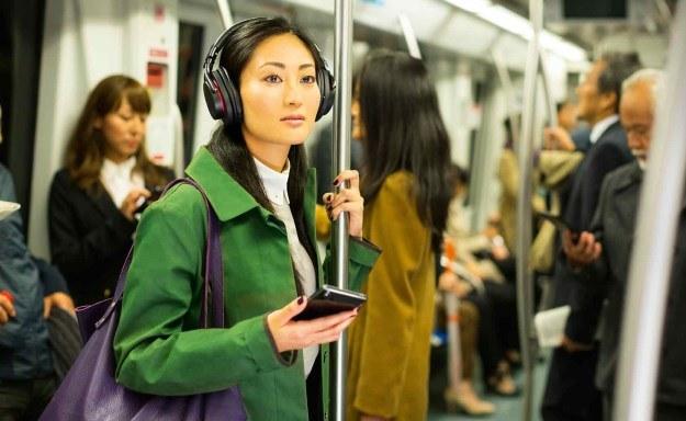 """""""Zetka"""" sprawdzi się także bardzo dobrze jako odtwarzacz muzyczny - tutaj Sony, jak zawsze, nie zawodzi /materiały prasowe"""