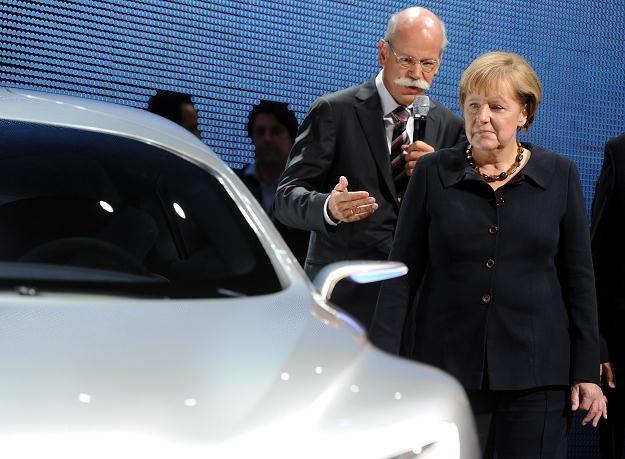 Zetsche opowiada o samochodach Angeli Merkel /AFP