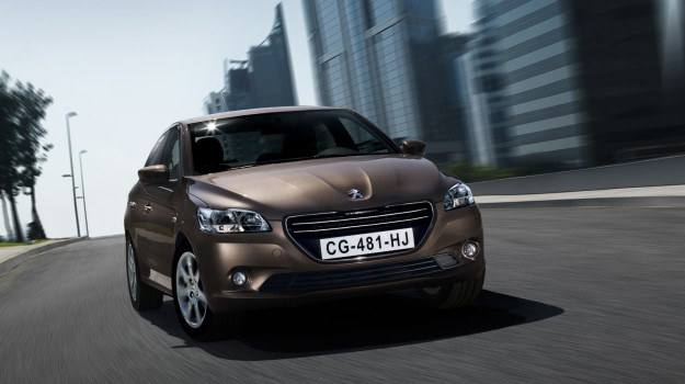 Zgodnie z najnowszą numeracją, bardziej przystępne cenowo modele Peugeota będą miały nazwę zakończoną cyfrą 1, a pozostałe - cyfrą 8. /Peugeot