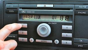 Zgubiony kod do radia? Nie musisz jechać do ASO