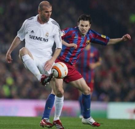 Zidane dobrze wie, na co stać Iniestę i jego kolegów z Barcelony /Getty Images/Flash Press Media