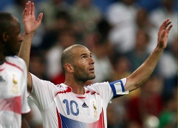 Zidane jest bohaterem /AFP