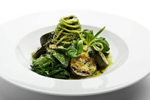 Zielone spaghetti /123/RF PICSEL