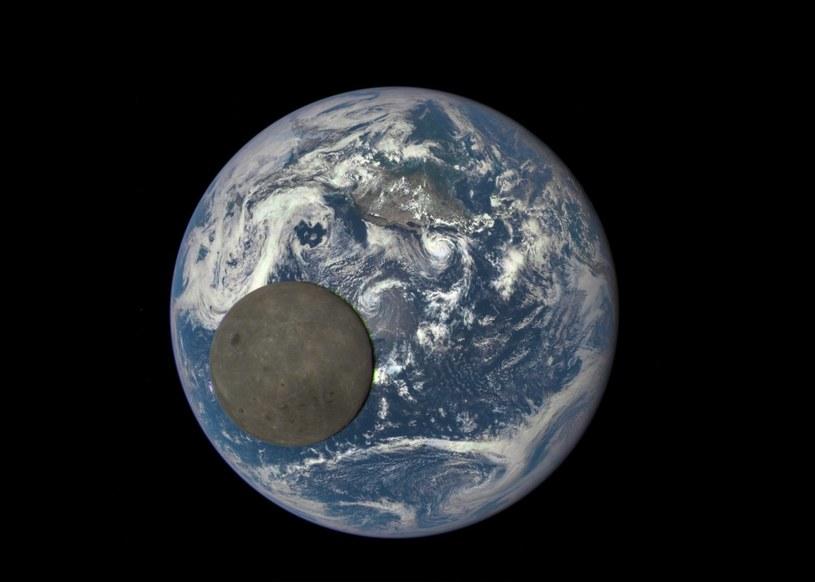 Ziemia i Księżyc okiem DSCOVR /NASA