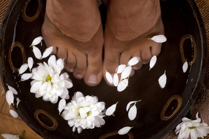 Zimą stopy wymagają wyjątkowej pielęgnacji /123RF/PICSEL