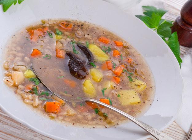 Zimą warto jeść zupy /©123RF/PICSEL