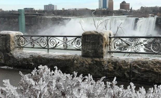 Zimowa odsłona Niagary. Zapiera dech w piersiach