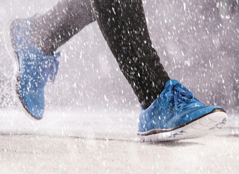 Zimowy jogging? Dlaczego nie! /123RF/PICSEL