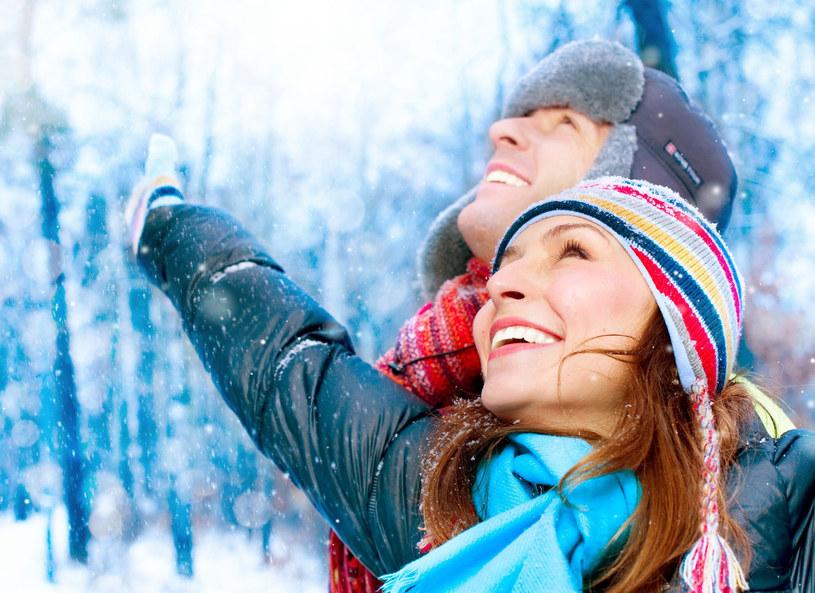 Zimowy spacer to samo zdrowie /123RF/PICSEL