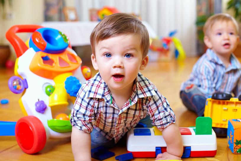 Żłobek, opieka dziadków, rodziców czy wykwalifikowana niania? Proponowany bon na pozwolić rodzicom na wybór /123RF/PICSEL