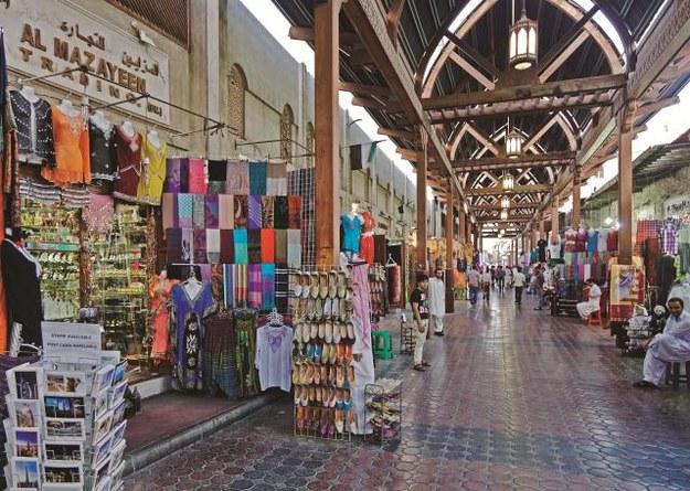 Złoto albo przyprawy najlepiej kupować na tradycyjnym suku, który również jest  w Dubaju. /Flash Press Media
