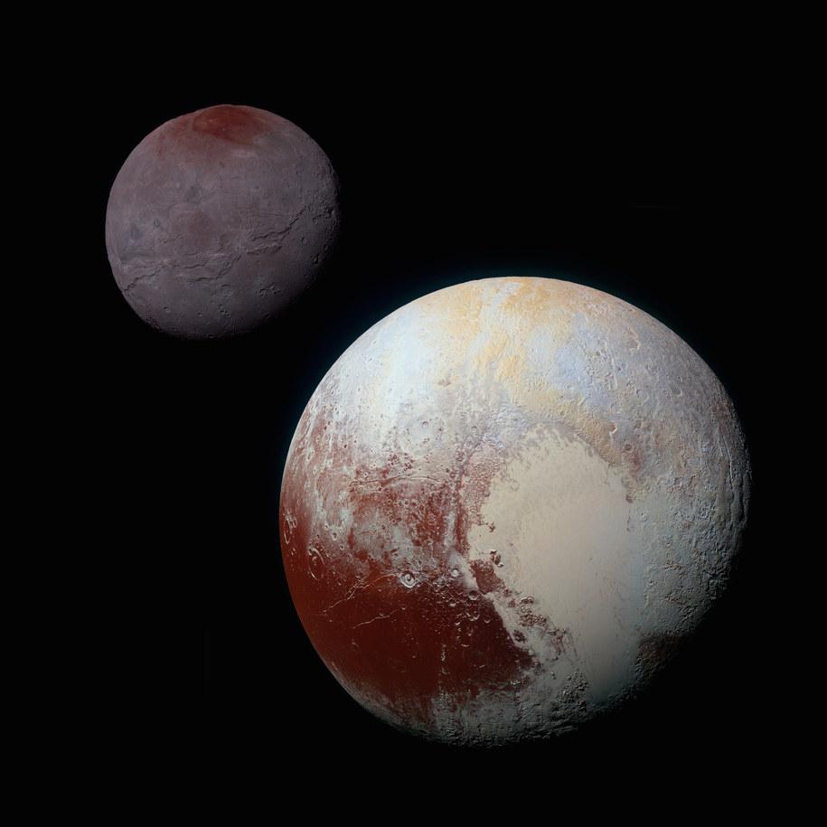 Złożenie obrazów Plutona i jego księżyca, Charona wykonanych kamerą (MVIC). Nasycenie barw zwiększono dla lepszego kontrastu / NASA/JHUAPL/SwRI /materiały prasowe