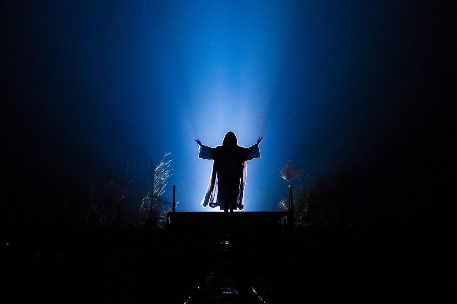 Zmartwychwstanie Chrystusa jest symbolem Jego zwycięstwa nad grzechem i śmiercią. Na zdj. Misterium Męki Pańskiej w Poznaniu. /Marek Zakrzewski /PAP