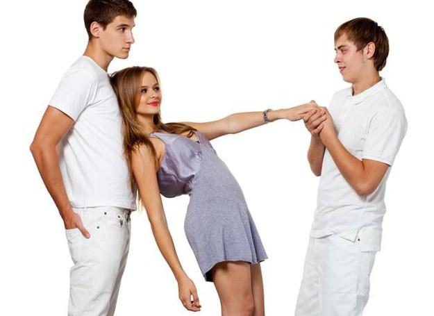 Zmiana partnerów, mimo iż całkiem naturalna, jest źle przyjmowana przez społeczeństwo /Intimate Medicine
