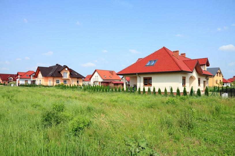 Zmiany w prawie budowlanym mają ułatwić Polakom budowę domów /123RF/PICSEL