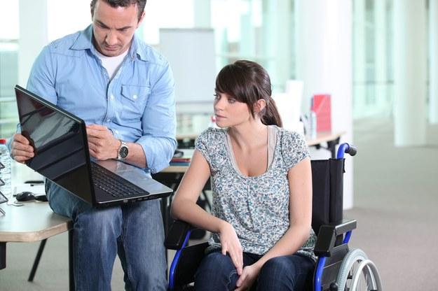 Zmieniają się zasady zatrudniania osób niepełnosprawnych /123RF/PICSEL