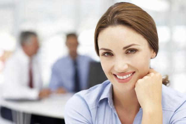 Zmieniając pracodawcę pomożemy swojemu szczęściu? /© Glowimages