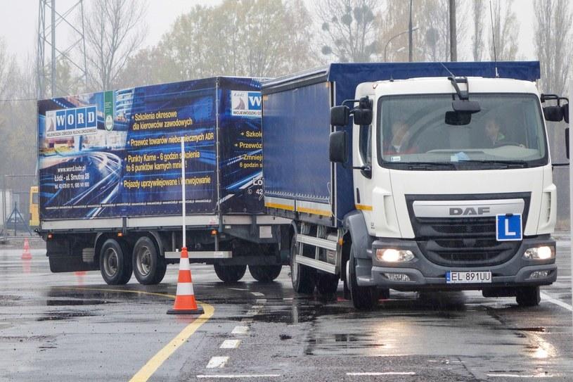 Zmieniły się niektóre przepisy dotyczące praw  jazdy /Piotr Kamionka /Reporter