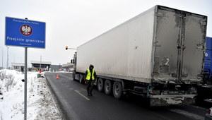 Zmniejsza się ruch ciężarówek na przejściach z Białorusią