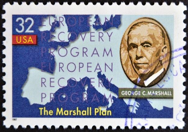 Znaczek upamiętniający Plan Marshalla /123/RF PICSEL