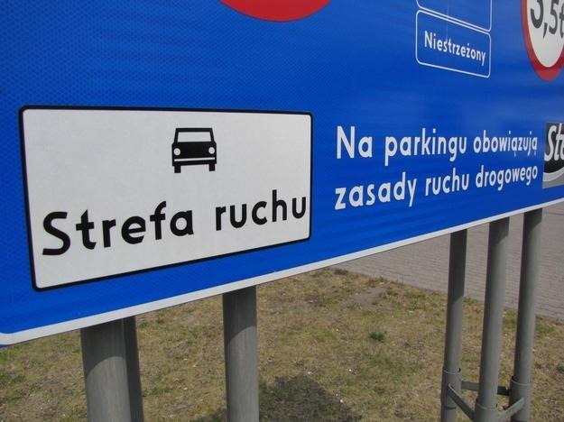 """Znak """"Stefa ruchu"""" /RMF"""