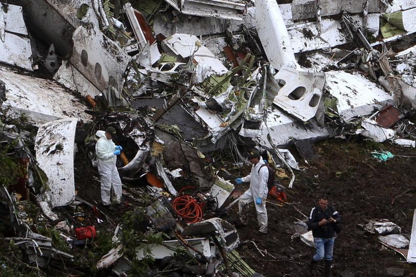 Znaleziono czarne skrzynki rozbitego samolotu /PAP/EPA