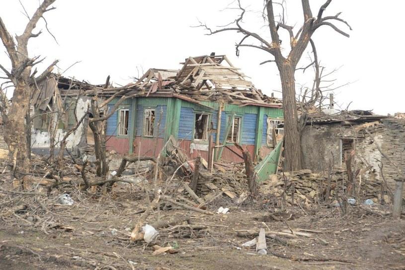 Zniszczenia w Nikishinie koło Debalcewe /Radosław Rzehak /UNICEF