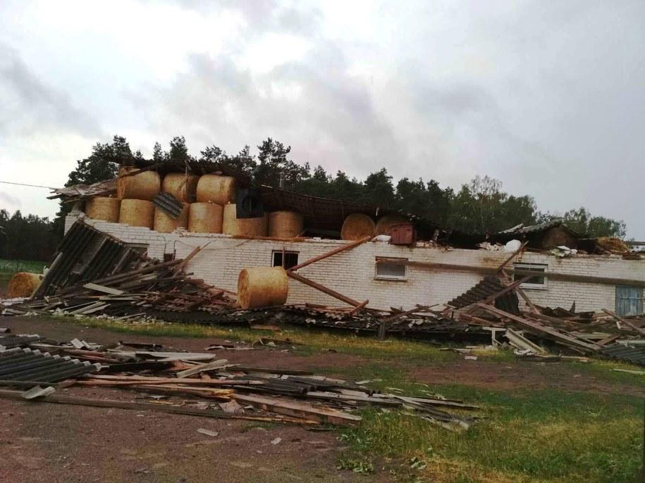 Zniszczenia w powiecie przasnyskim na Mazowszu - świadkowie mówią o przejściu trąby powietrznej /http://www.infoprzasnysz.com /