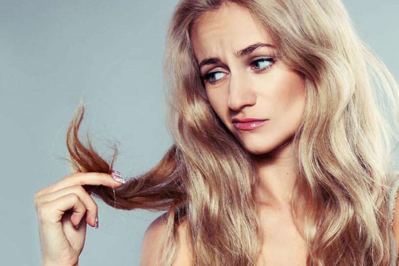 Zniszczone włosy uratuje maseczka z oliwy z oliwek /©123RF/PICSEL