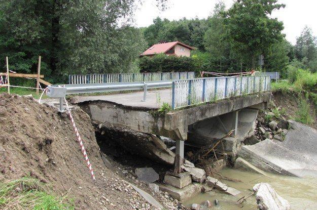 Zniszczony most /RMF