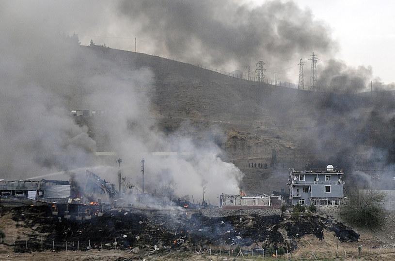 Zniszczony posterunek policji w Cizre /AFP
