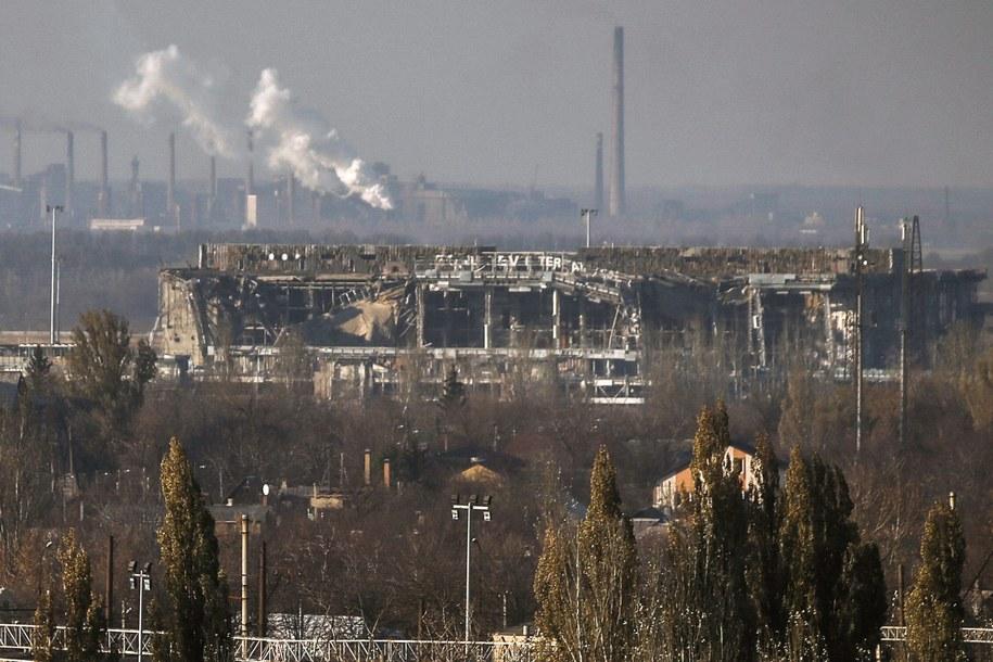 Zniszczony terminal donieckiego lotniska /Mikhail Pochuyev/ITAR-TASS /PAP