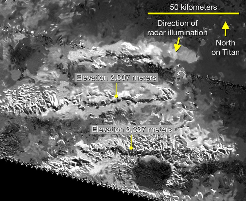 Zobrazowanie pasm górskich na Tytanie wśród których zlokalizowano kandydata na najwyższy szczyt /NASA