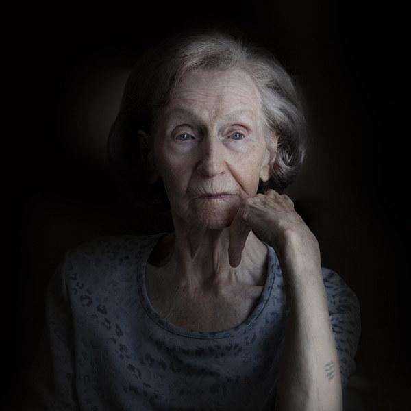 Zofia Posmysz – więźniarka Auschwitz, Ravensbrücki Neustadt-Glewe, dziennikarka i pisarka /Magda Kuc /Wydawnictwo Znak